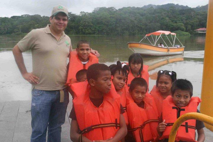 Children of Casa Esperanza on a Boat Tour with EcoCircuitos