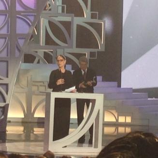 Sonia Braga recibiendo premio mención Honorifica, Premios Platino
